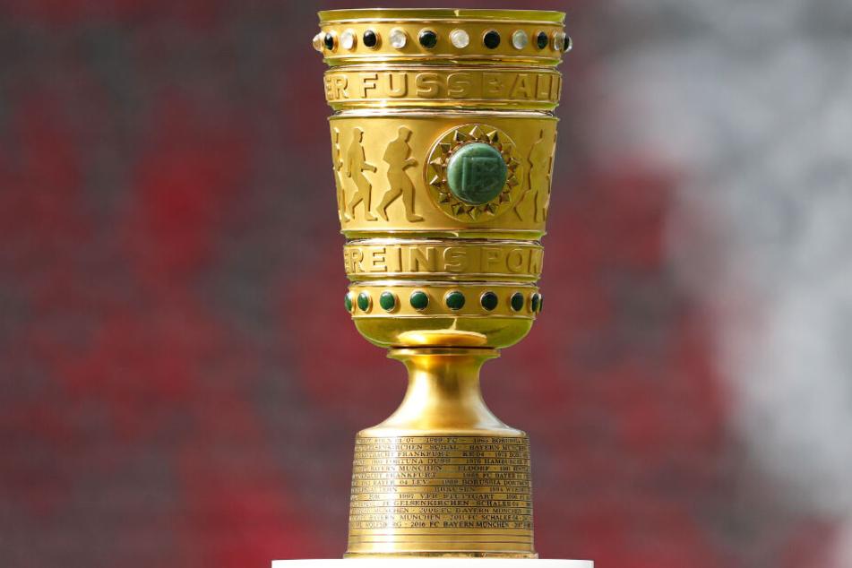 Der FC Bayern München und Borussia Dortmund bekommen es jeweils mit guten Bundesligisten zu tun.