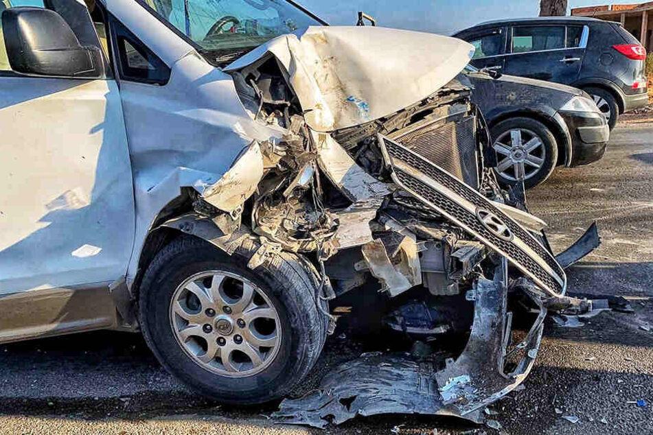 Wie es zu dem schweren Unfall kam, ist derzeit nicht bekannt.