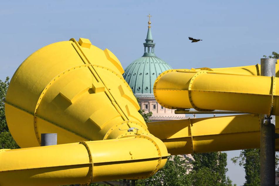"""Die 114 Meter lange Wasserrutsche soll das Highlight im neuen Freizeitbad """"Blu"""" in Potsdam werden."""