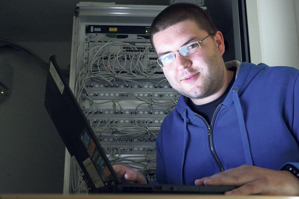 Steffen Förster (32) unterstützt mit dem Freifunk Chemnitz e.V. die kostenlose WLAN-Anbindung in kleineren Kommunen.