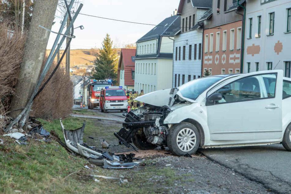 An dem Citroen entstand Totalschaden, der Fahrer kam ins Krankenhaus.