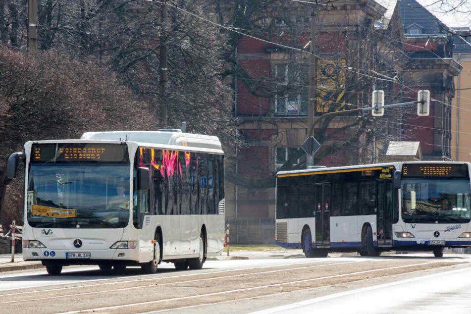Zwei Busunternehmen fahren in Gotha die selben Strecken zur selben Zeit.