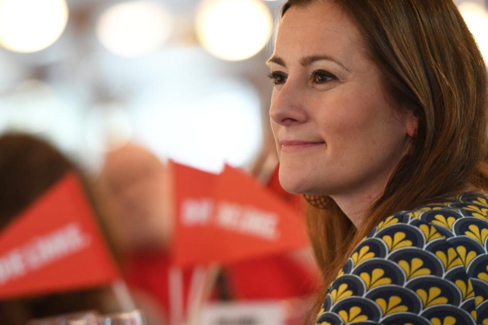 Das Foto aus dem Februar zeigt Janine Wissler (39), die Fraktionsvorsitzende der Linken im Hessischen Landtag.