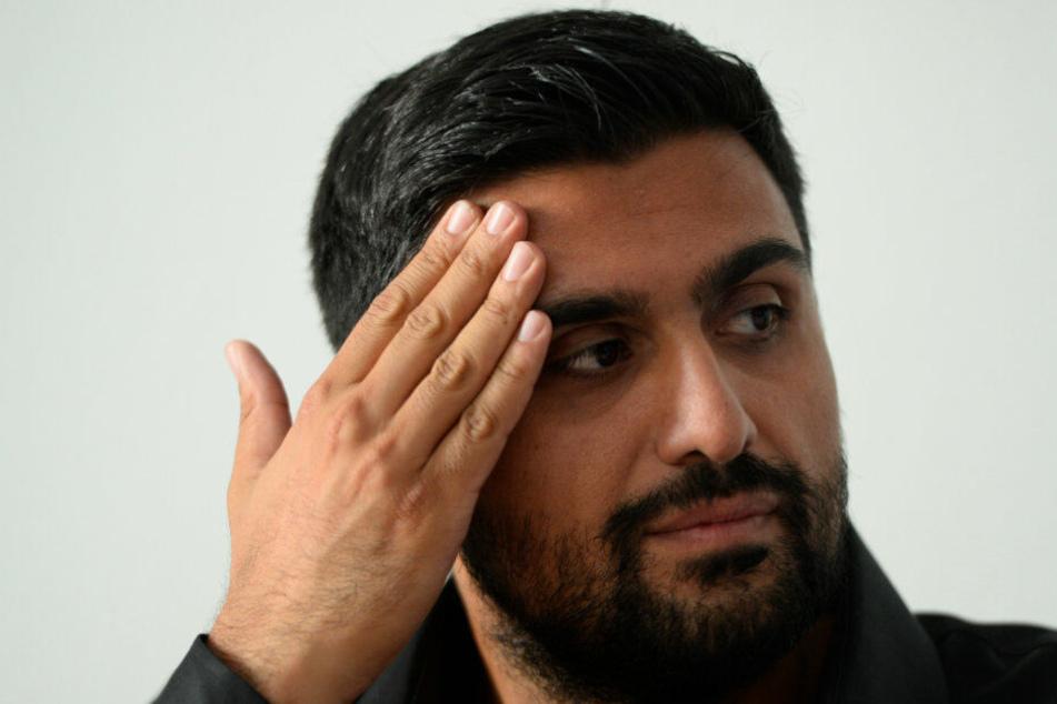 Adil Demirci (33) auf der Pressekonferenz in Köln.