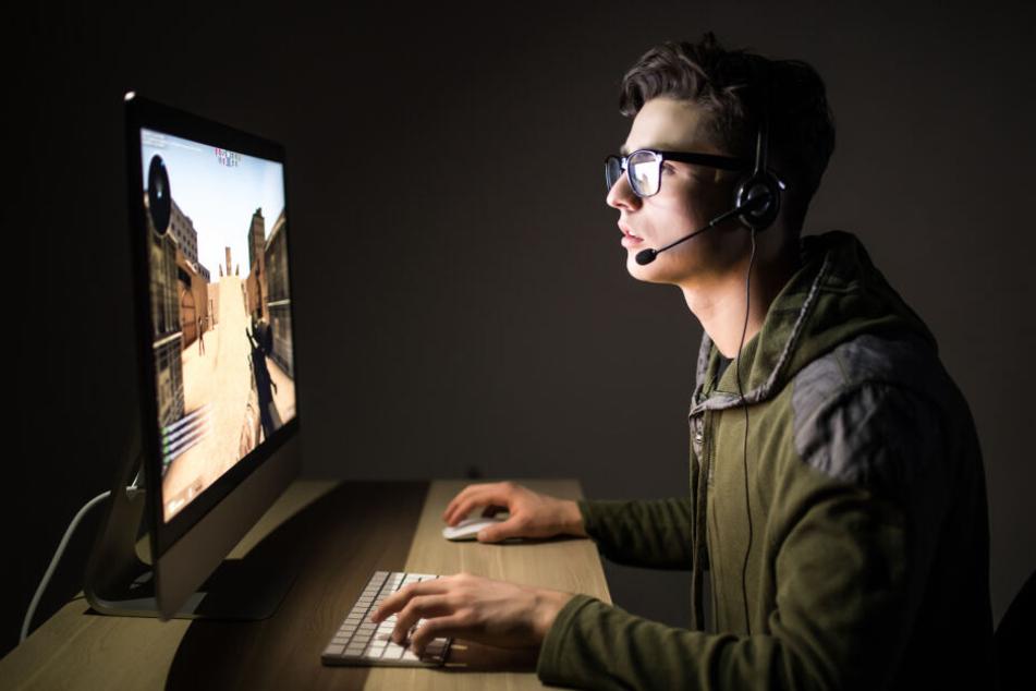 Beim einem Online-Spiel erlitt Aidan Jackson plötzlich einen Anfall. (Symbolbild)