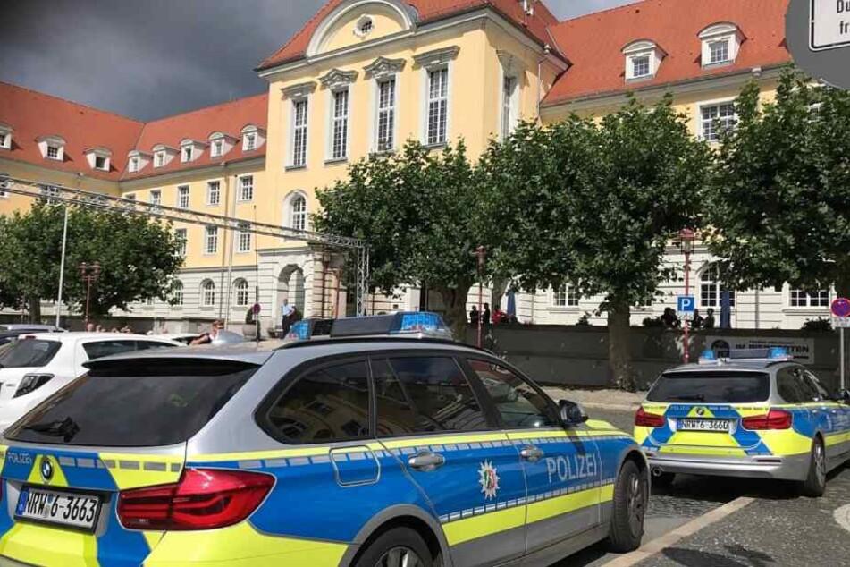 Rathaus erhält Drohanruf und wird komplett geräumt