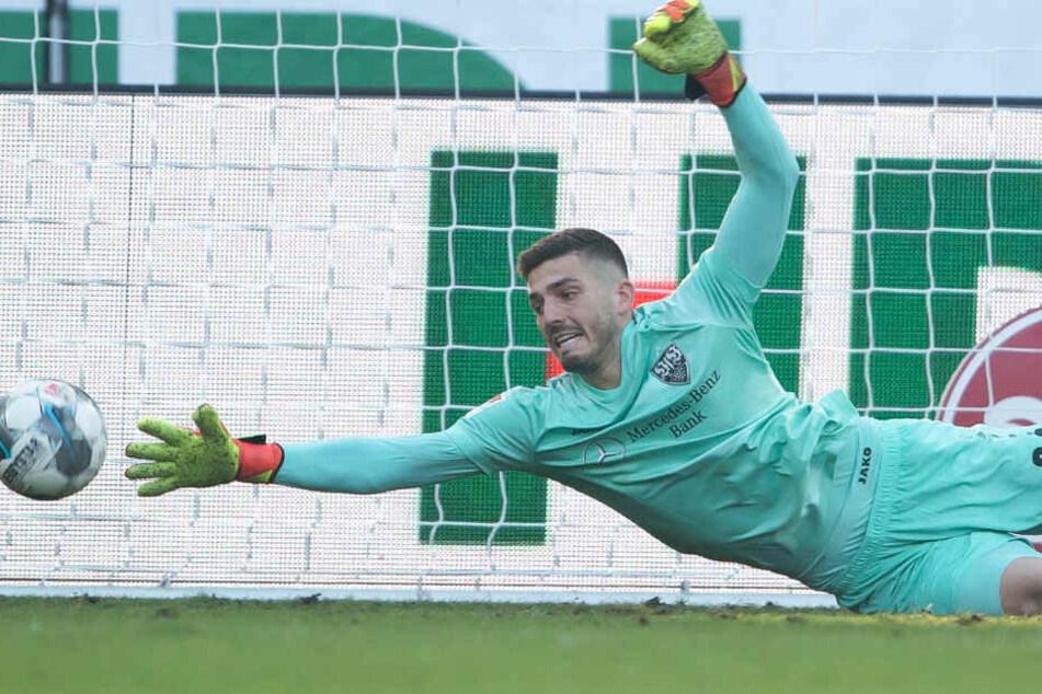 War zunächst die Nummer Zwei: Fabian Bredlow pariert er einen Ball gegen Hannover 96 am 18. Spieltag.