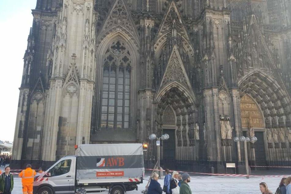 Köln Domplatte Gesperrt