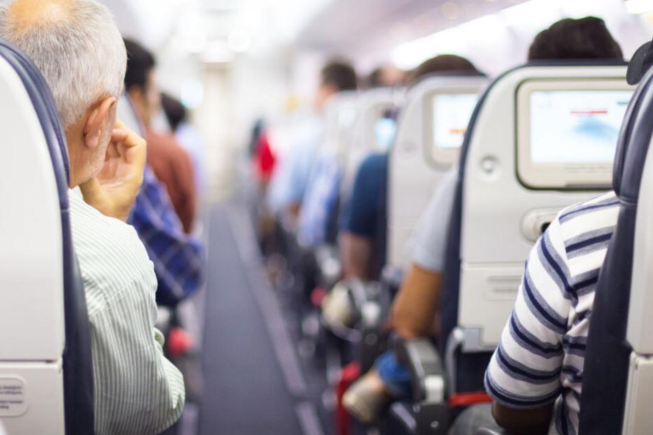 Müssen Airlines betrunkene Passagiere mitfliegen lassen? Amtsgericht fällt klares Urteil