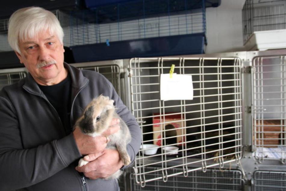 Helmut Tiekötter möchte Tierbesitzern die Ungewissheit nehmen.