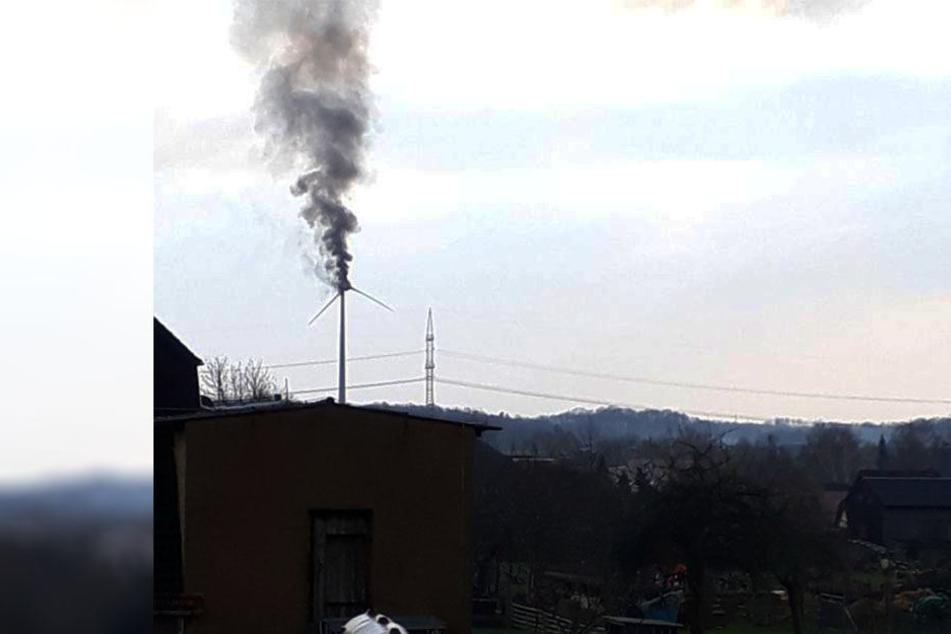Kilometerweit ist die Rauchsäule über Bad Lausick zu sehen.