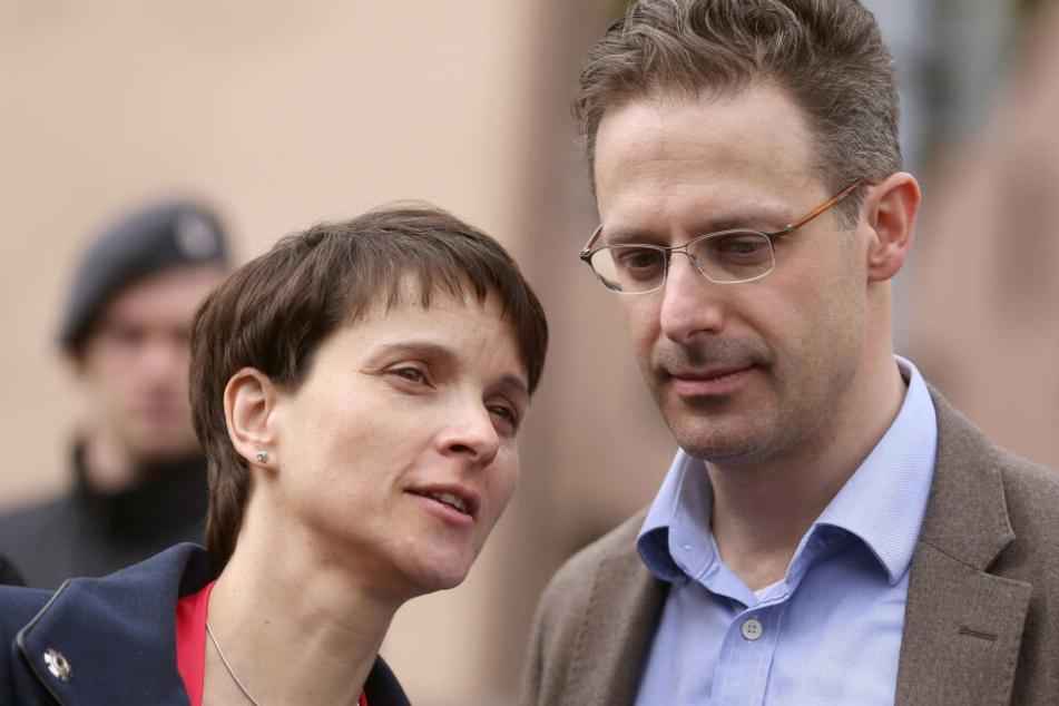 Frauke Petry (43) mit ihrem Mann Marcus Pretzell (45).