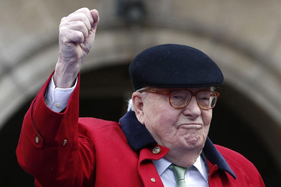 Jean-Marie Le Pen, Gründer der rechten Bewegung Front National in Frankreich, kommt zum Parteitag.