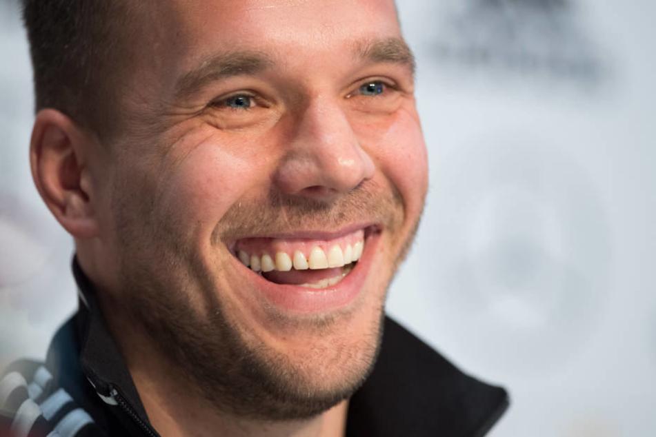 Lukas Podolski macht seinem ehemaligen Mitspieler Mut.