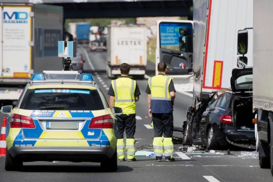 21-Jähriger bei Verkehrsunfall auf der A2 schwer verletzt