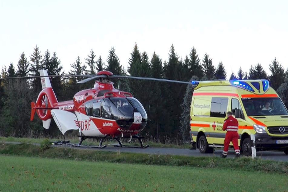 Per Rettungshubschrauber musste der verletzte Mann ins Krankenhaus gebracht werden.