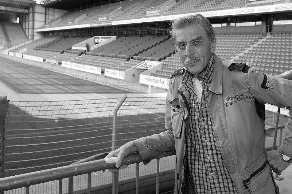 Mit 71 Jahren verstarb der ehemalige Stadionsprecher Lothar Buttkus.