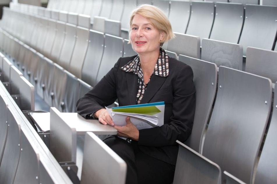 FH-Präsidentin Ingeborg Schramm-Wölk denkt bereits über Studenten-Wohnungen in Gütersloh nach.