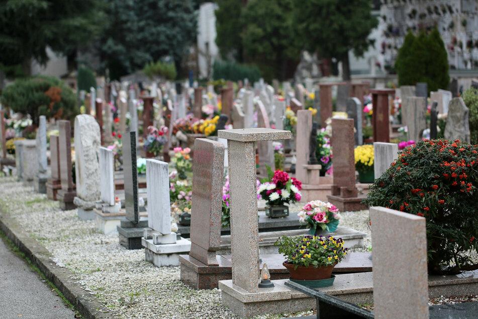 Toter wird von eigener Beerdigung verwiesen