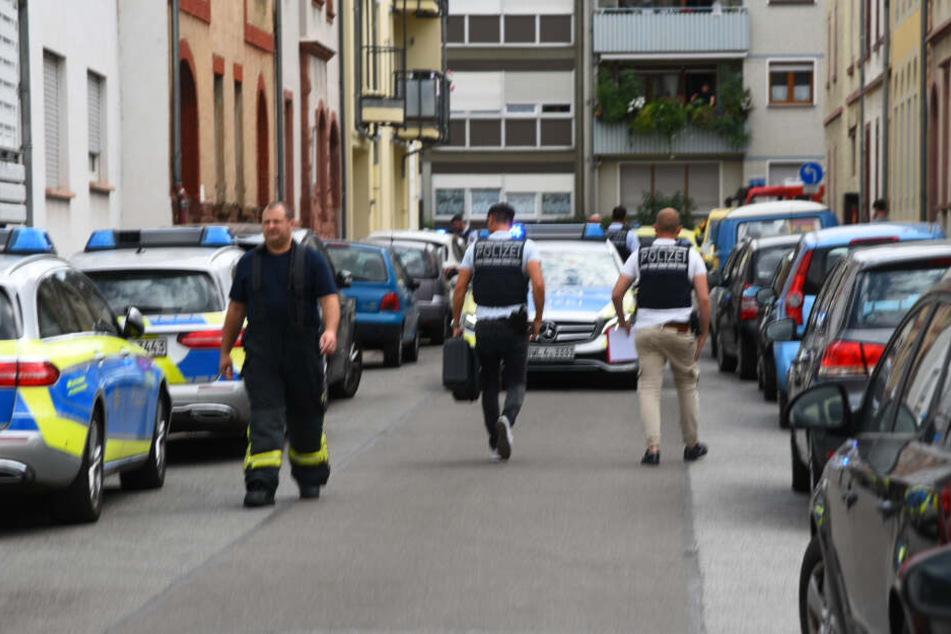 Einsatzkräfte am Samstag in Heidelberg.