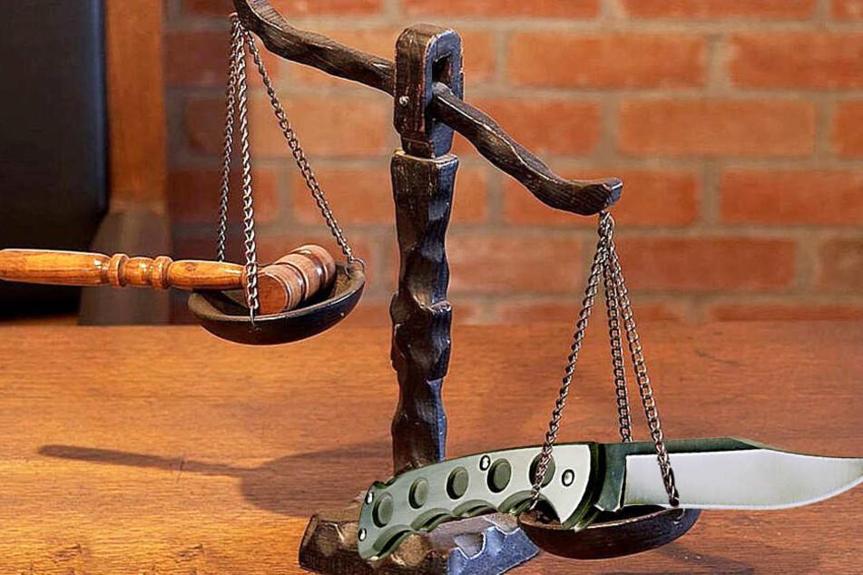 Das Gericht in Minden befindet den angeklagten Messerstecher für schuldig. Er muss für anderthalb Jahre ins Gefängnis.