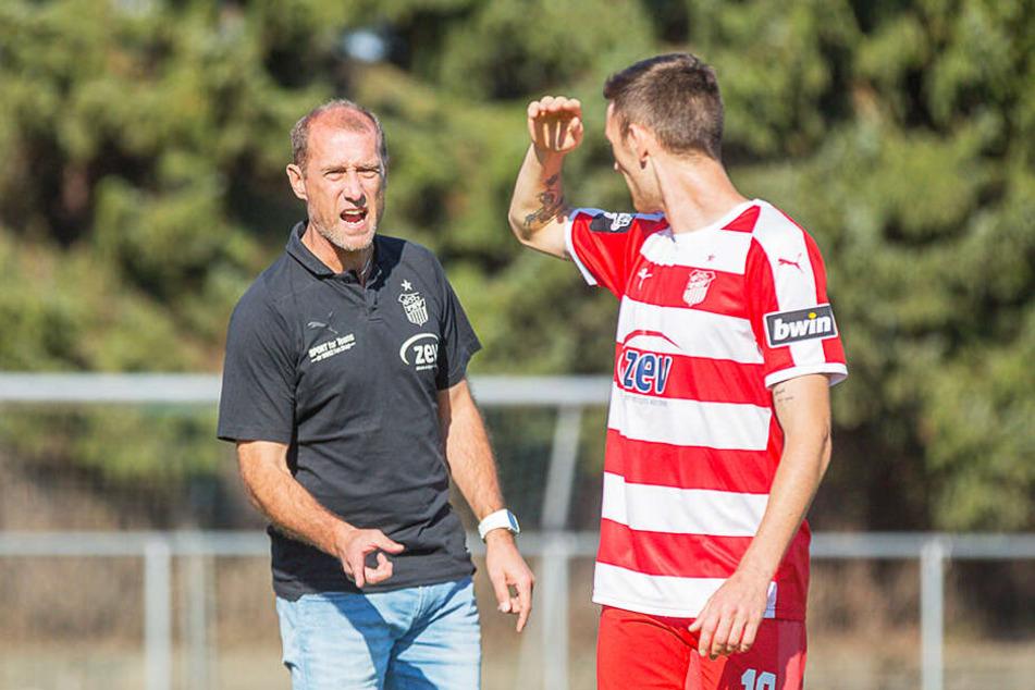 FSV-Coach Joe Enochs (l.) ist mit der Entwicklung von Christian Bickel noch nicht zufrieden.