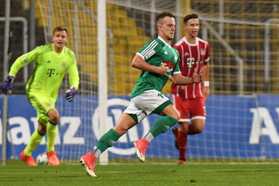 Fabian Schnabel (vorn) ist zum Probetraining beim FSV.