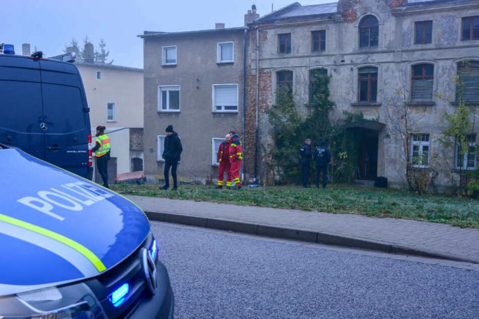 In der Sohlener Straße in Magdeburg wurde gegen 7 Uhr durch Polizei und LKA ein Gebäudekomplex gestürmt.