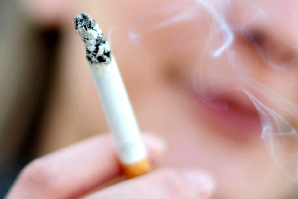 Forscher warnen: Schon eine Zigarette pro Tag ist sehr gefährlich!