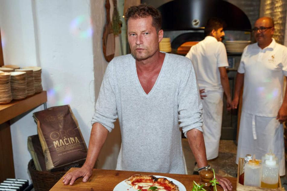 """Til Schweiger während der Präsentation des neuen Foodkonzeptes """"Henry likes Pizza"""" in seinem Restaurant """"Barefood Deli""""."""