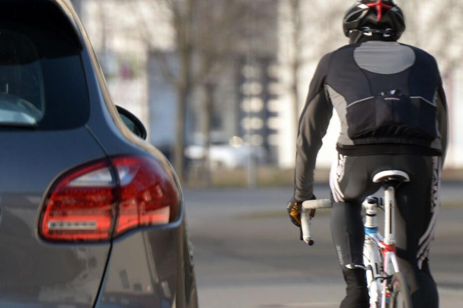 Ein Rennradfahrer verunglückte am Donnerstag tödlich. (Symbolbild)