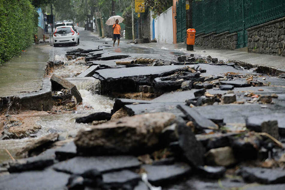 Heftige Unwetter haben im brasilianischen Rio de Janeiro schwere Schäden angerichtet.