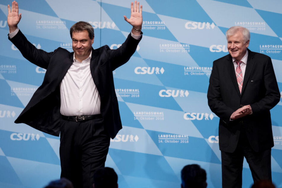 Markus Söder (l) und Horst Seehofer glauben an ein besseres Wahlergebnis als die Umfragen prophezeien.