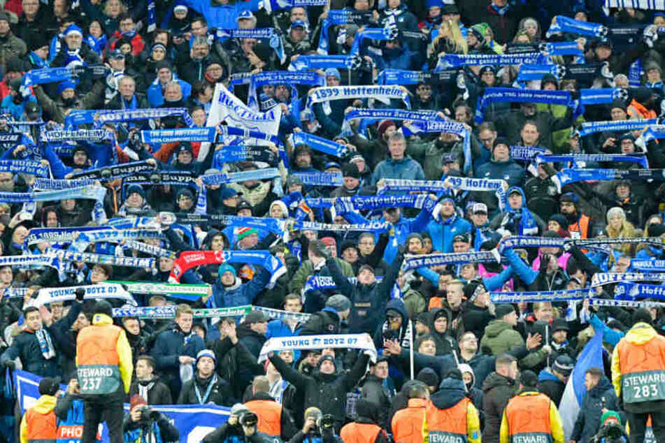 Julian Nagelsmann kritisierte nach dem Wolfsburg-Spiel einige Zuschauer für deren Fehlverhalten.