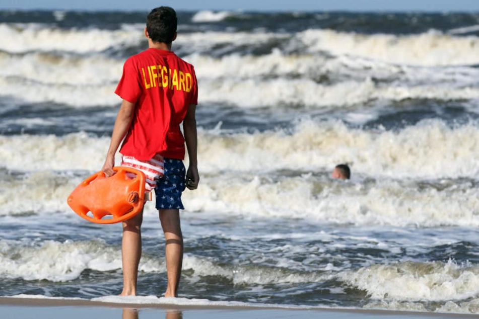 Eine Frau konnte nur noch tot aus der Ostsee geborgen werden. (Symbolbild)