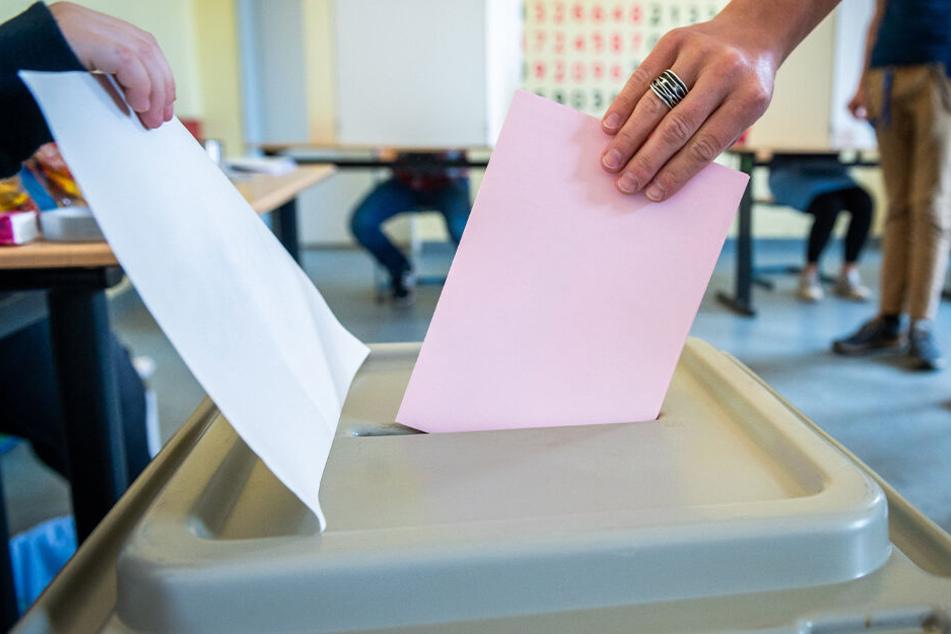 Wahllokale öffnen: Landtagswahl in Sachsen