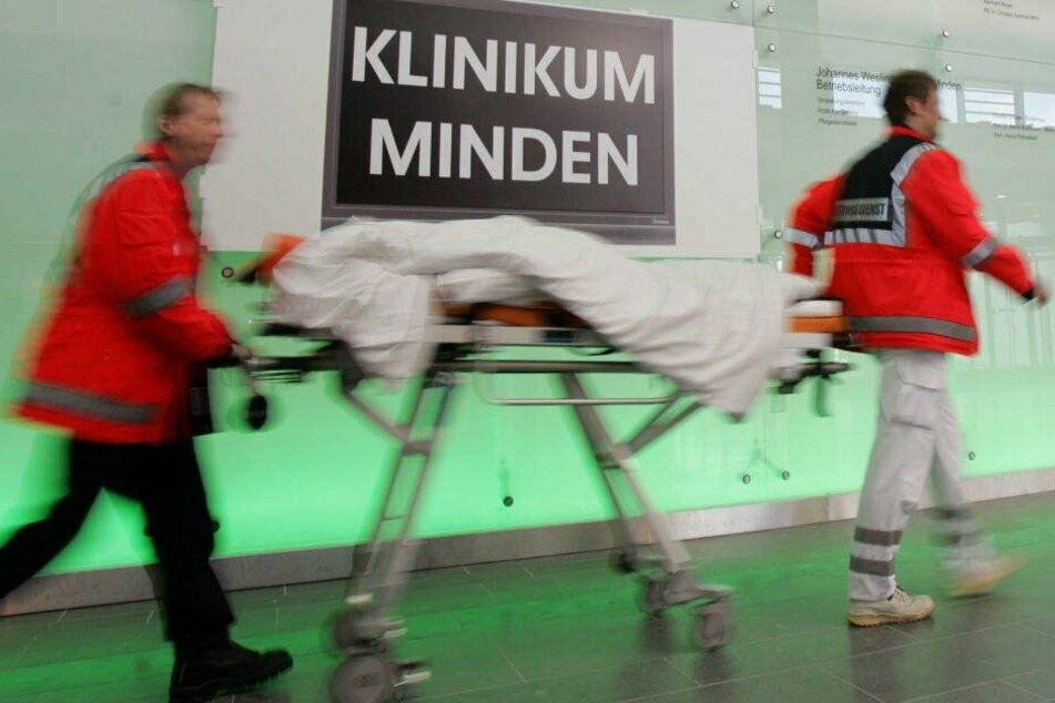 Der junge wurde ins Klinikum Minden gebracht.