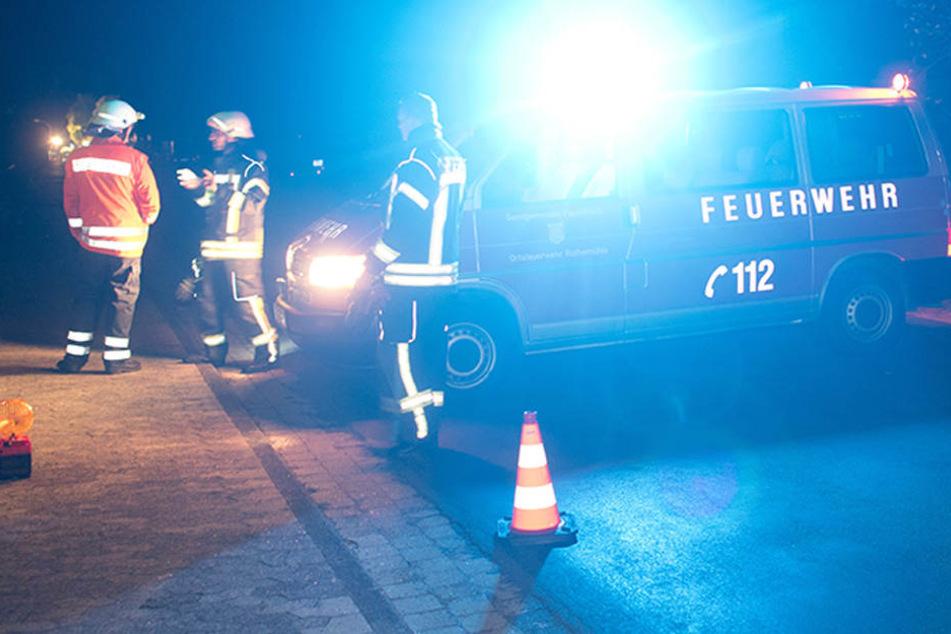 Bis in die Nacht wurde die Unfallstelle gesperrt und von einem Gutachter untersucht. (Symbolbild)