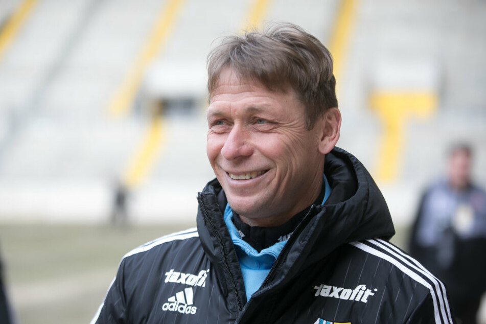 Trainer Sven Köhler hatte beim Auftritt im DDV-Stadion viel Spaß. Seine Elf sorgte für unterhaltsame 90 Minuten.