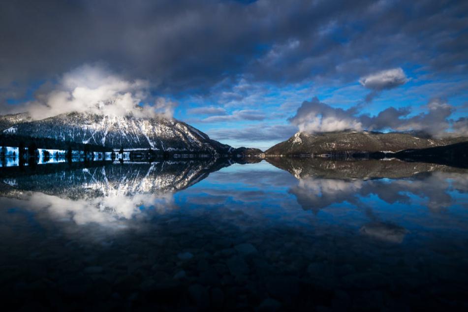 Der Walchensee gehört zu den größten Alpenseen in Deutschland.