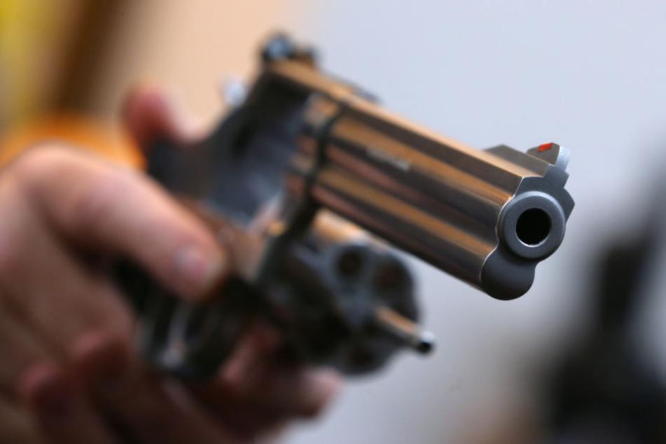 Fingierte Übergabe: Spezialkräfte schnappen Waffenkäufer