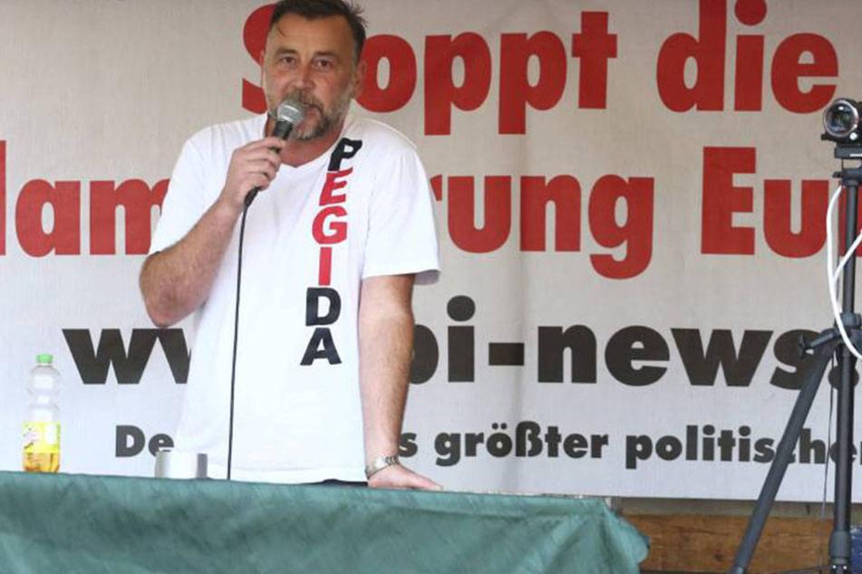 Lutz Bachmann (43) darf weiter Pegida-Veranstaltungen organisieren. Das entschied das Verwaltungsgericht am Donnerstag.