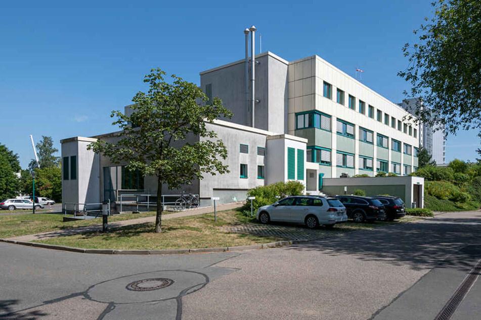 Das Klinikum an der Flemmingstraße bekommt einen Hubschrauber-Landeplatz auf dem Dach des Dr.-Panofsky-Hauses.