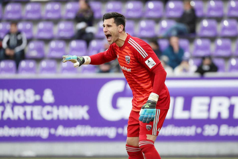 Philipp Tschauner. Der 33-jährige Hannoveraner war letzte Saison an den FC Ingolstadt ausgeliehen, stieg mit den Schanzern in die 3. Liga ab.