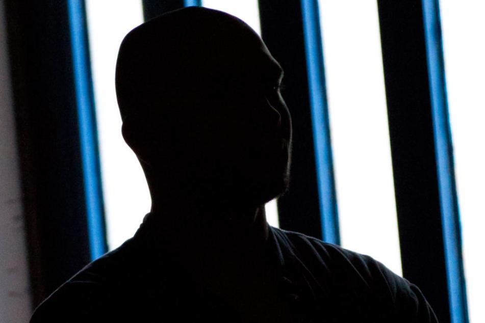 Als Intensivtäter gelten Menschen, die mehrfach durch straffälliges Verhalten und ordnungswidrige Handlungen aufgefallen sind. (Symbolbild)