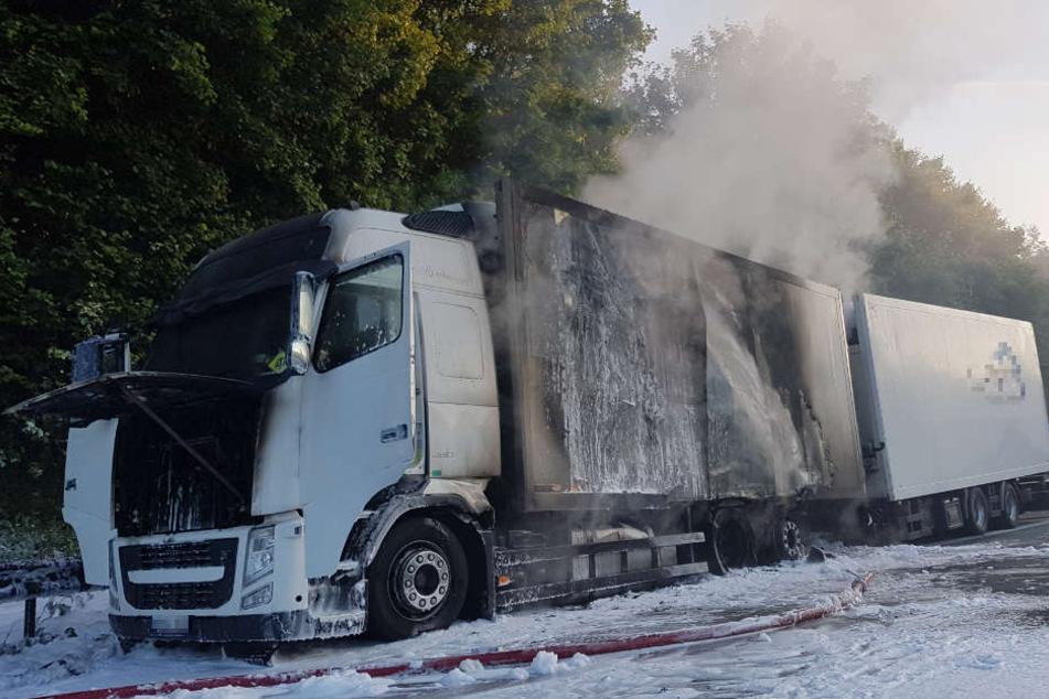 Gegen 5.30 Uhr bemerkte der Fahrer den Brand.