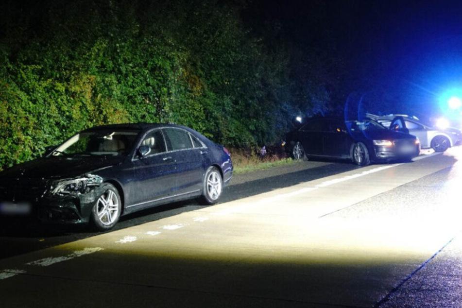 Die beteiligten Autos an der Unfallstelle nahe Möckmühl auf der A81.