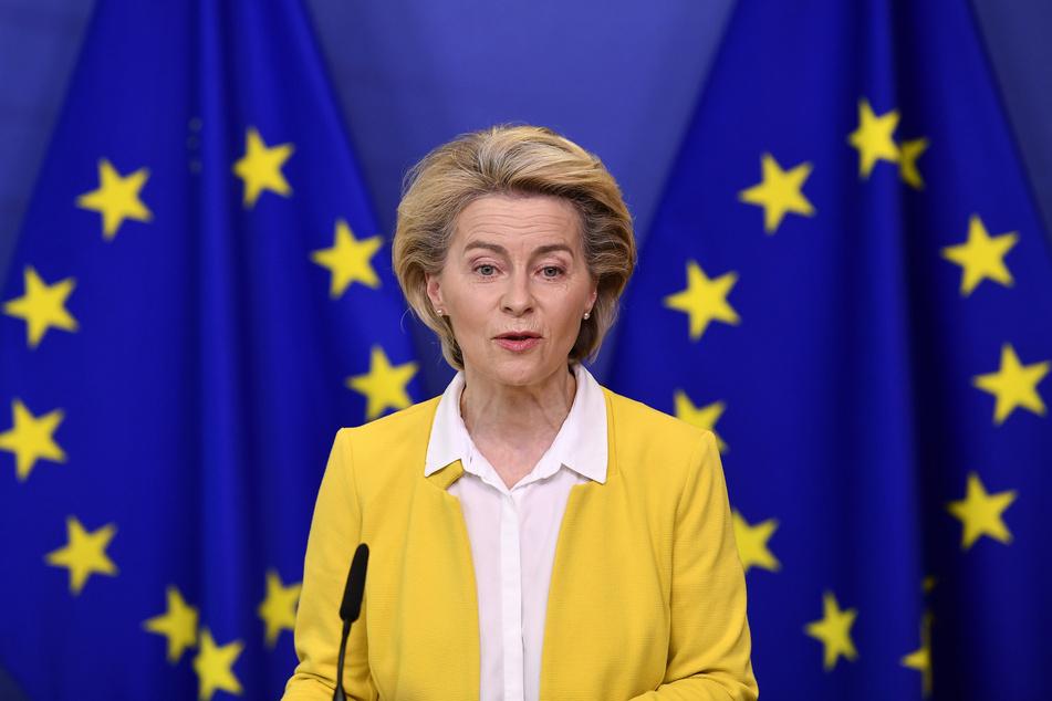 Ursula von der Leyen (62) freut sich als EU-Kommissionspräsidentin, dass ein weiteres Hindernis auf dem Weg zur Next Generation EU aus dem Weg ist.