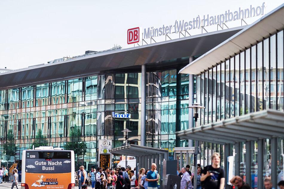Der Eingangsbereich des Hauptbahnhofes in Münster.
