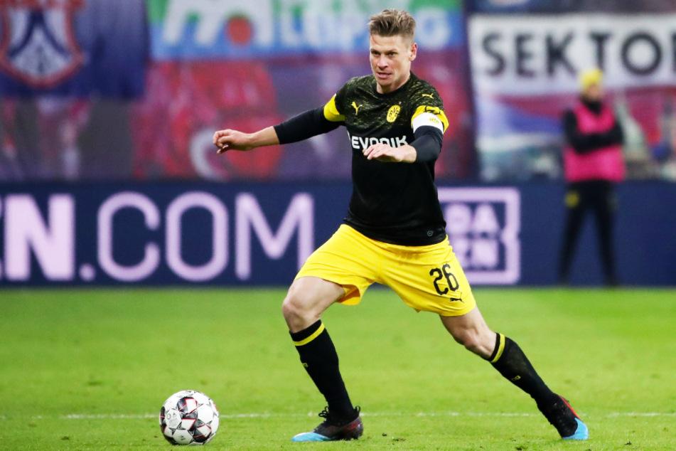 Lukasz Piszczek (35) beendet im Sommer seine Karriere. Ihn muss der BVB ersetzen - mit einem polnischen Landsmann?